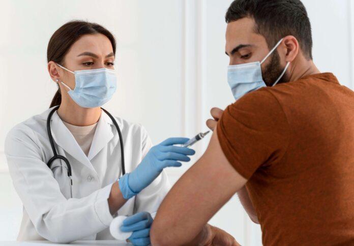 Κορονοϊός: Οι προκλήσεις που θέτουν για τα εμβόλια οι νέες παραλλαγές